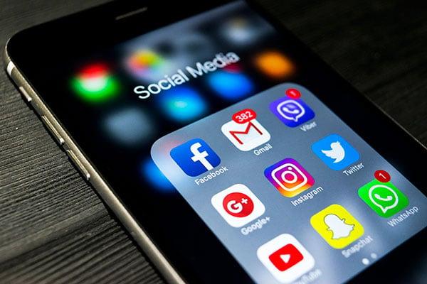 Evita la tentación de las redes sociales